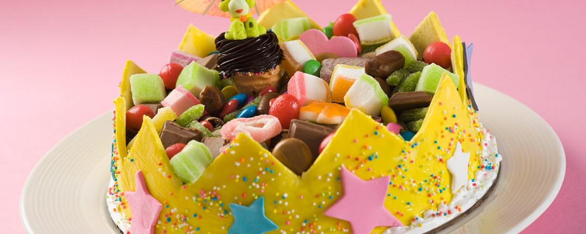 עוגות מעוצבות מבצק סוכר
